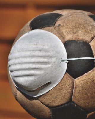 Corona Regelungen beim Fußball